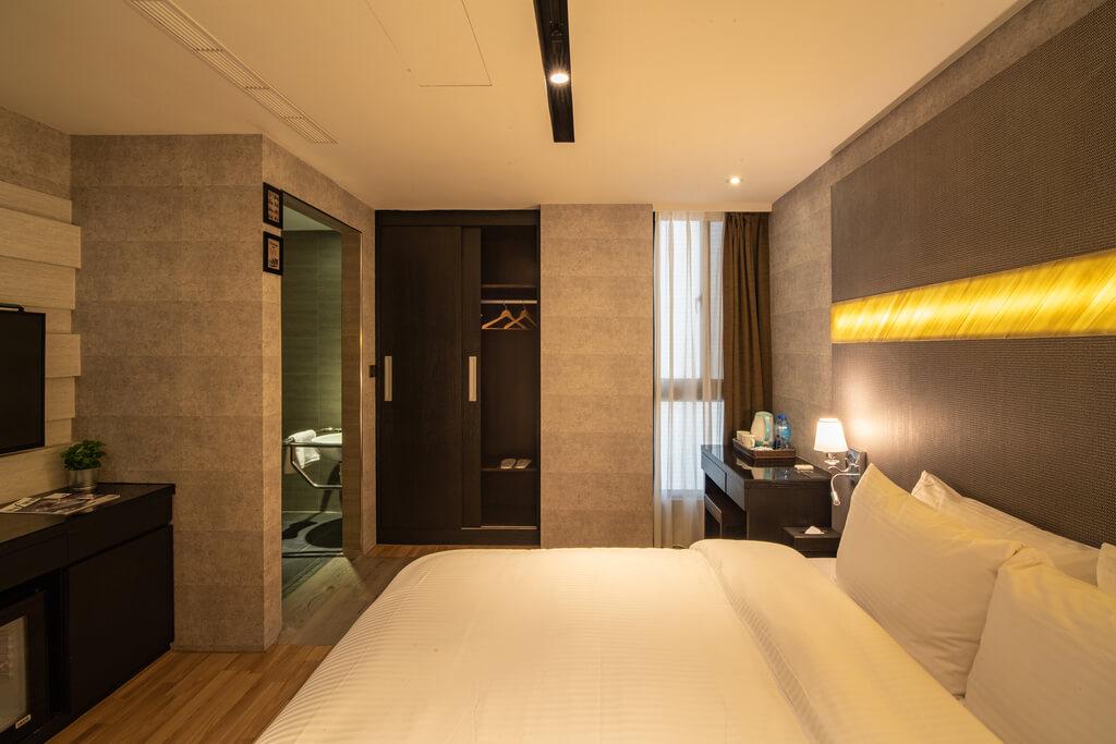 Friendly room (5)